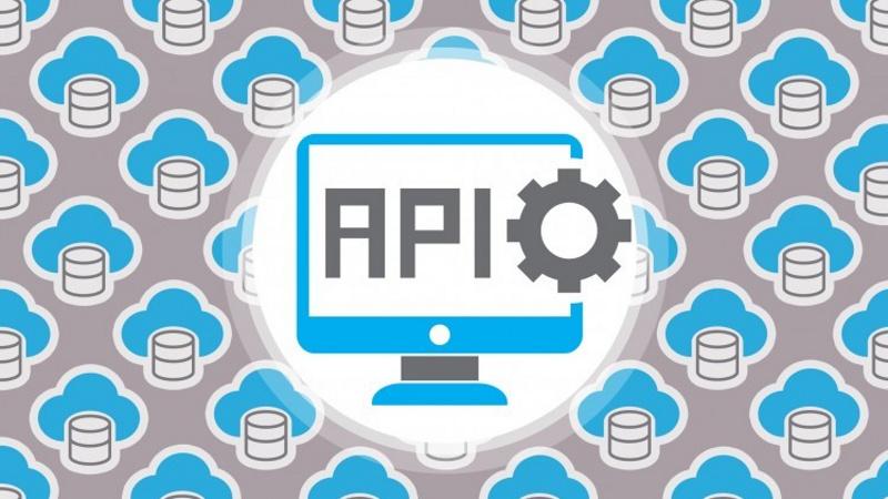 在Python中使用API获得课程的基本信息